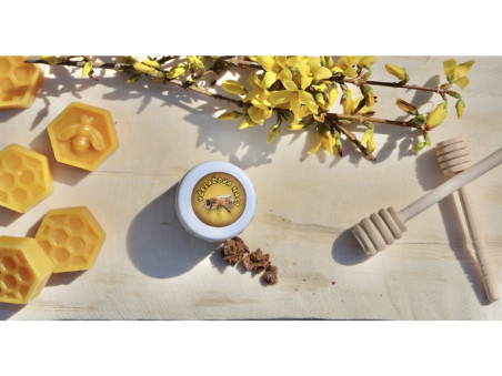 Včelařova konopná mast s propolisem